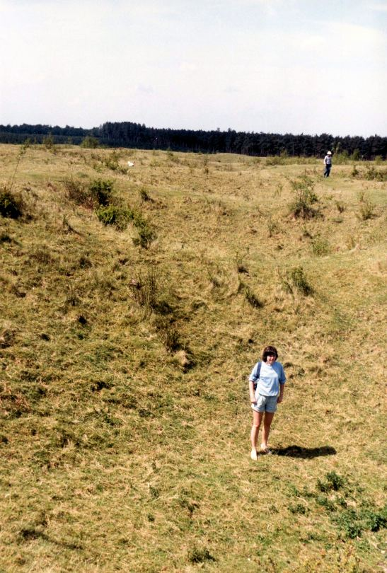 Gillian Hovell 1980s future Muddy Archaeologist Grimes Graves