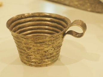 Gold cup mycenae Muddy Archaeologist
